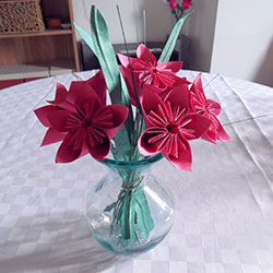 origami red flowers